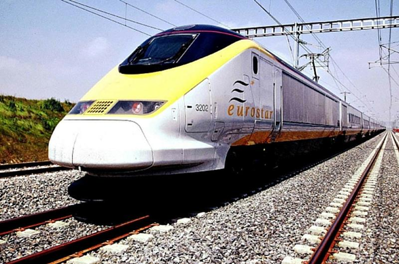 Eurostar staff to strike over service meltdown
