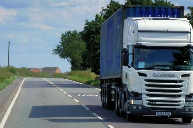 Road freight union RMT warns over driverless lorries tests