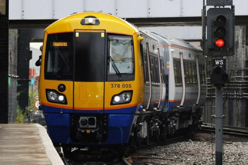 RMT to fight Overground's proposed 88 Ticket Office closures