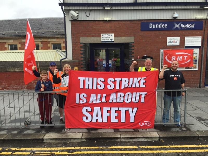Scotrail RMT Dundee picket line