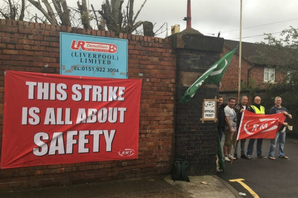Merseyrail Kirkdale picket line this morning