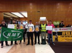 RMT Campaigners at Shell offices